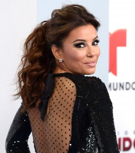 la-queue-de-cheval-wavy-d-eva-longoria-2013-141927_w1000